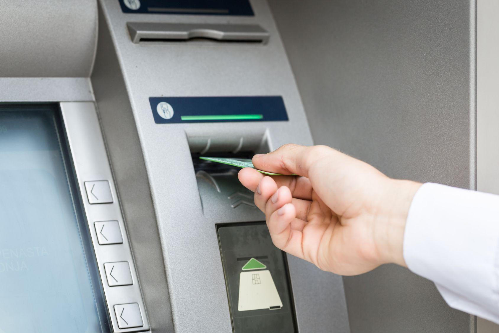 kradzież karty płatniczej i pinu