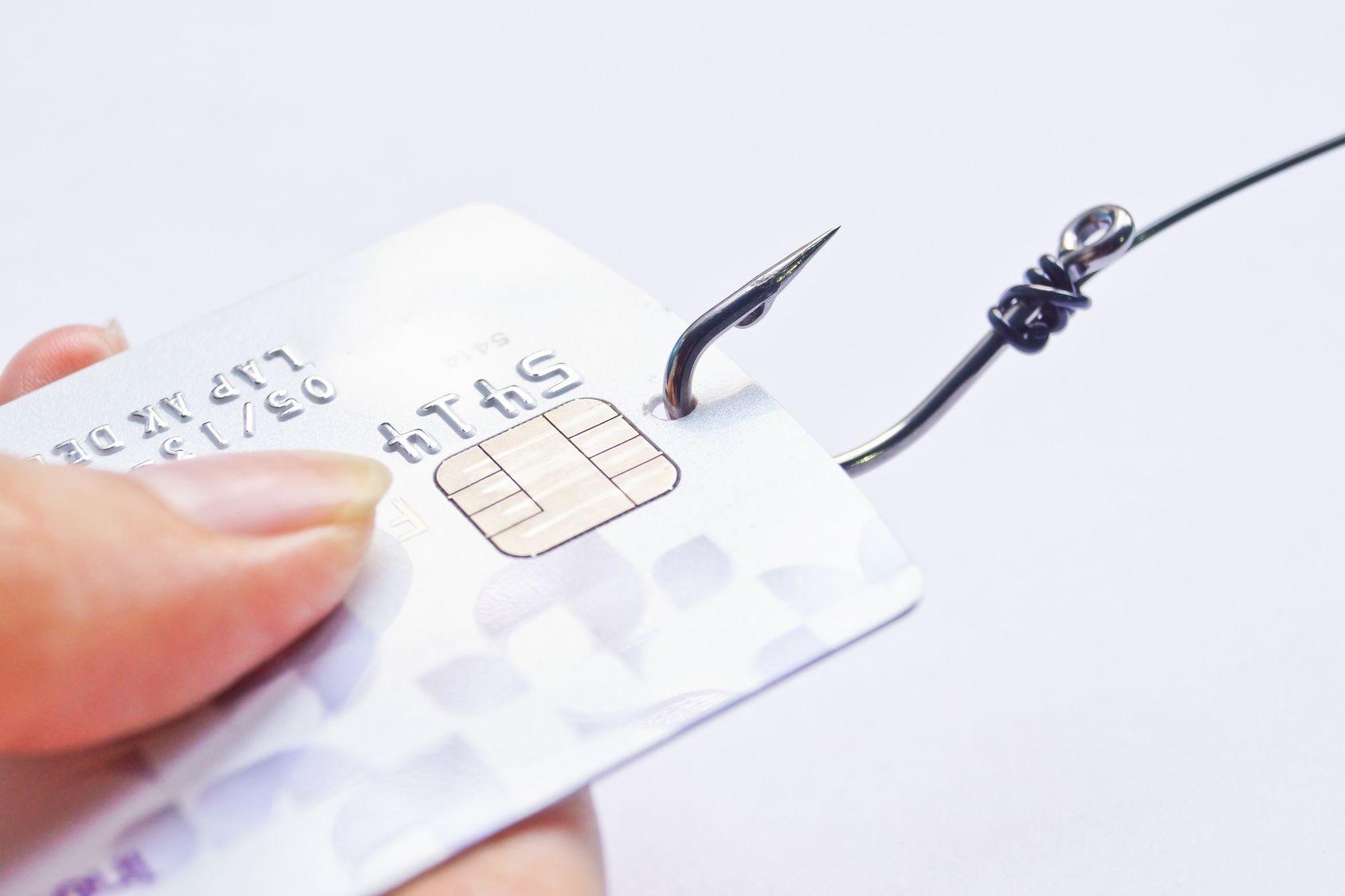 na czym polega phishing